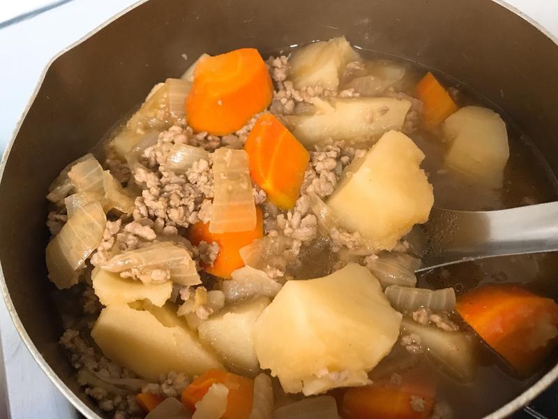 馬鈴薯燉肉(豬絞肉)