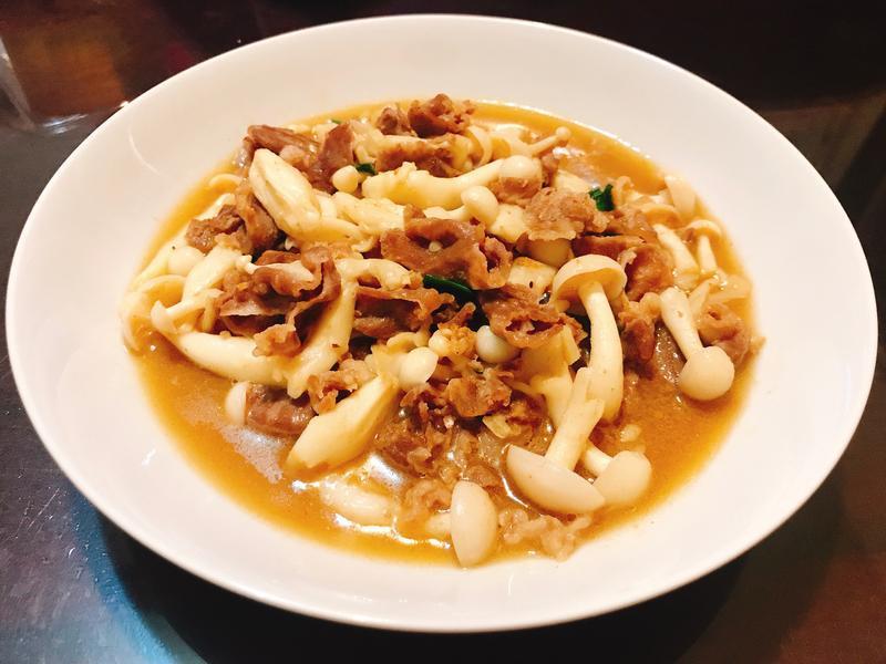 沙茶羊肉菇菇(新年家常菜)