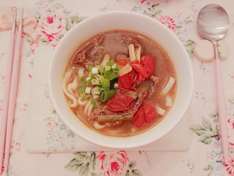暖心暖身的美味番茄牛肉麵(牛腱版)