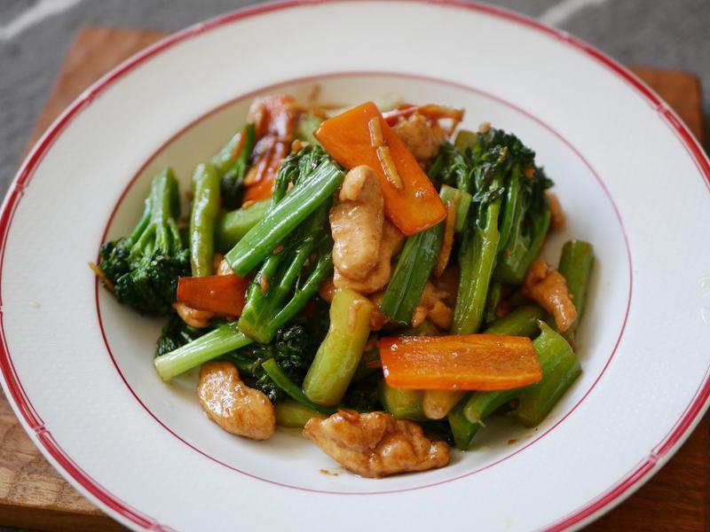 豆瓣醬炒青花筍肉片