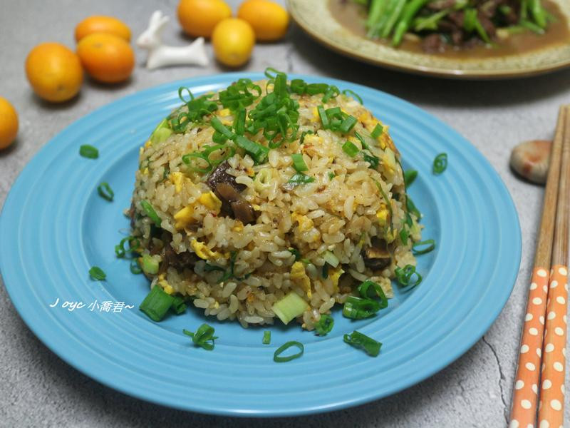 蔥香蛋炒飯(添加滷牛肉~剩食out!)