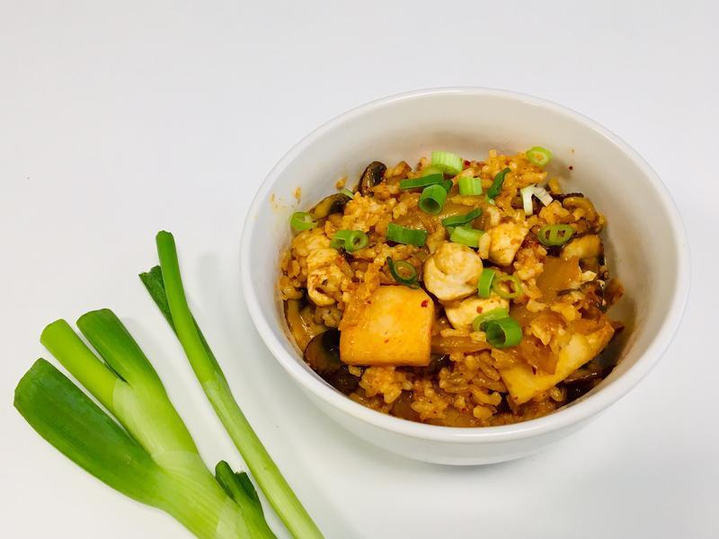 泡菜雞肉香菇炒飯