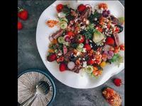牛小排草莓莎莎花園沙拉