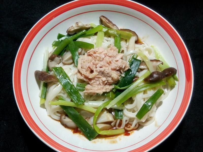 香蔥鮪魚乾拌麵(01.11,五)