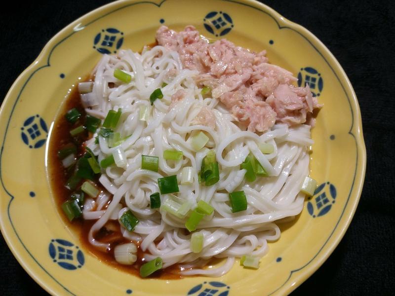 香蔥鮪魚乾拌麵