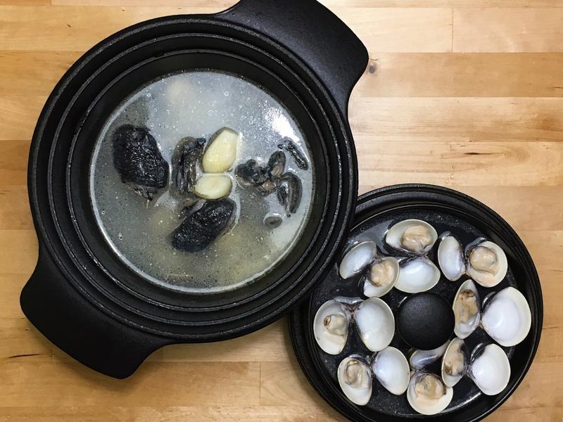 蒜頭蛤蜊烏骨雞湯