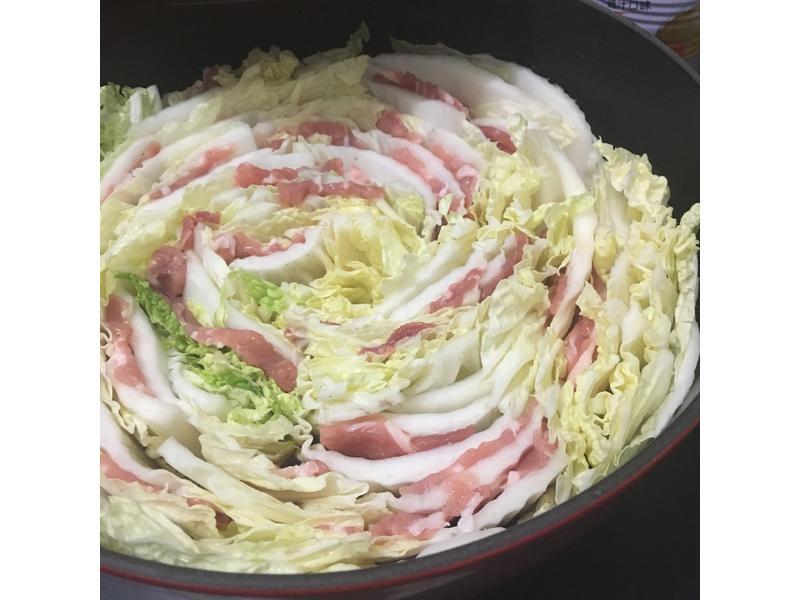 千層白菜肉片鍋