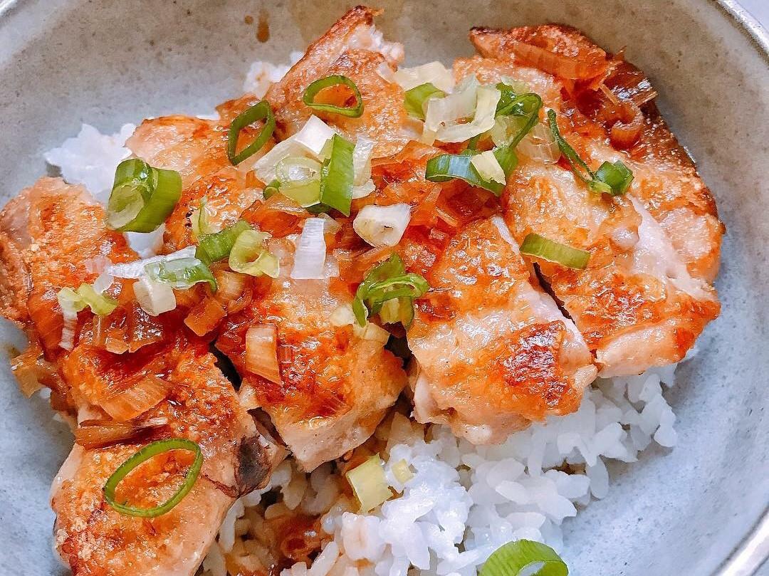 超簡單!嫩煎雞腿丼飯 便當菜