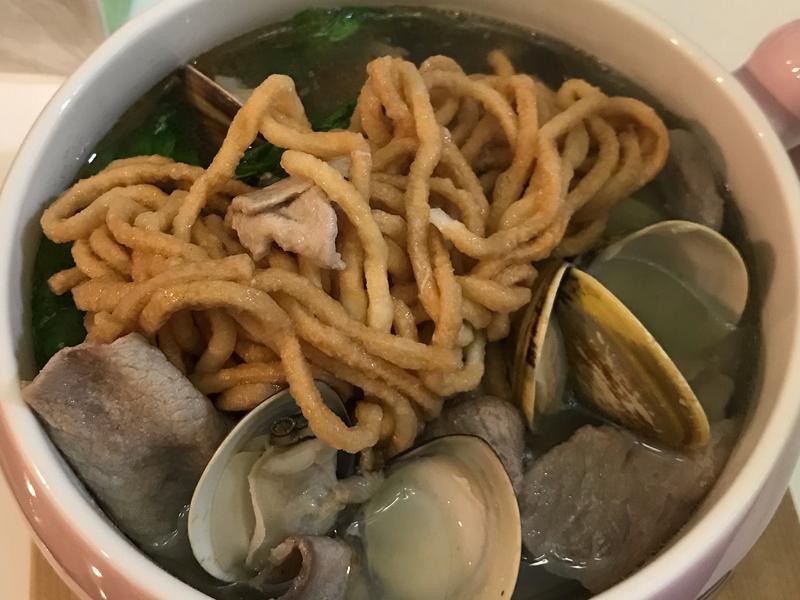 蛤蜊雞湯豬肉片鍋燒意麵