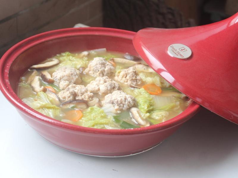 雞肉丸子白菜鍋