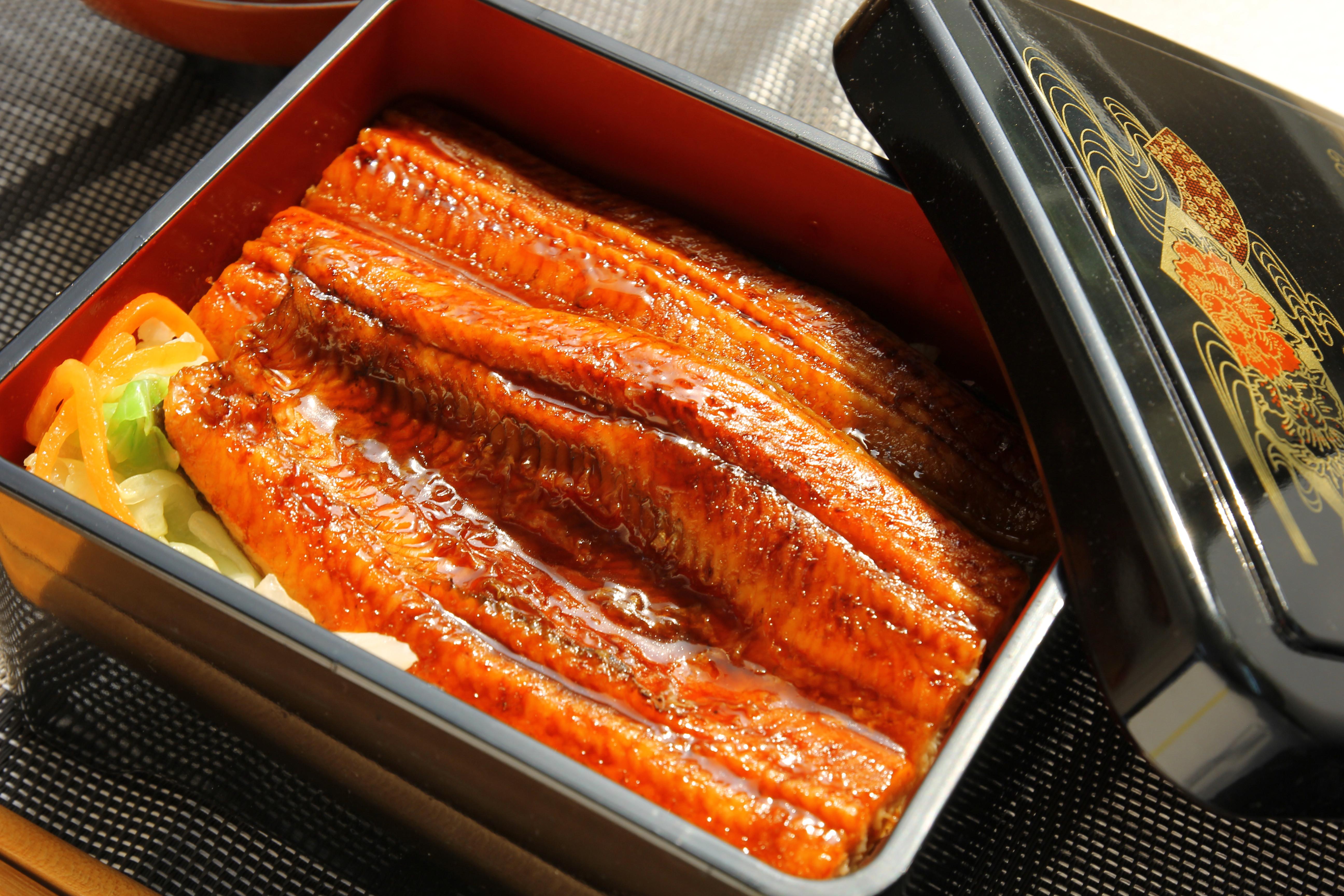 屏榮坊蒲燒鰻魚飯