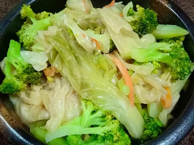 台式泡菜炒西蘭花