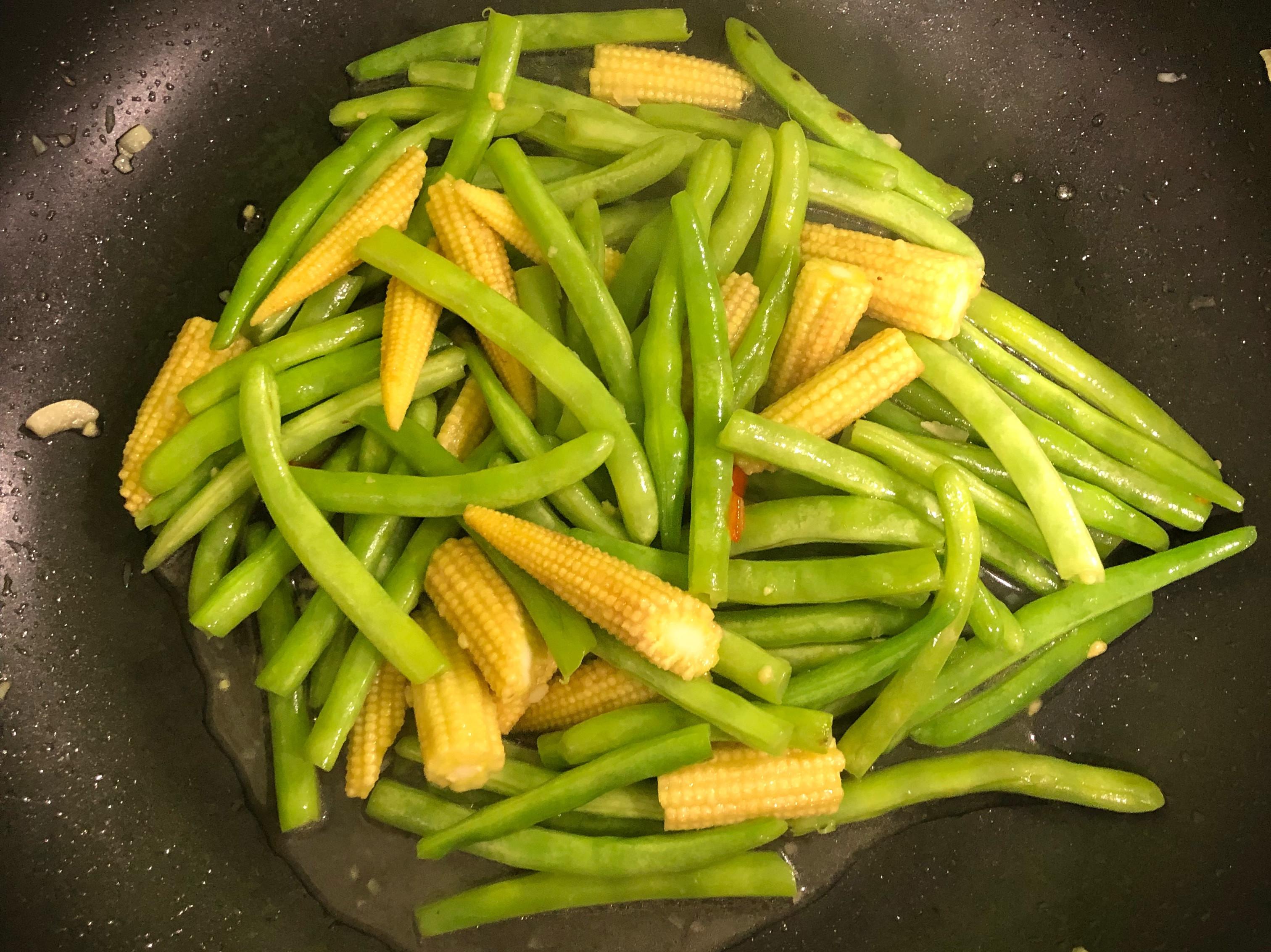 炒四季豆玉米筍