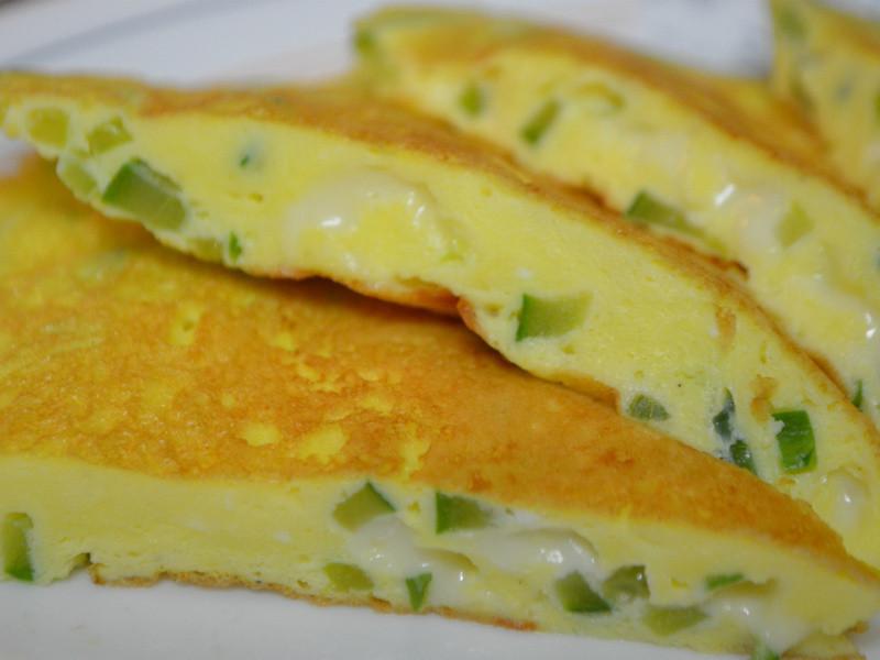 清爽豐潤的小黃瓜起司煎蛋