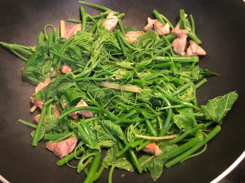 【輕食上菜】❹豬肉炒龍虛菜