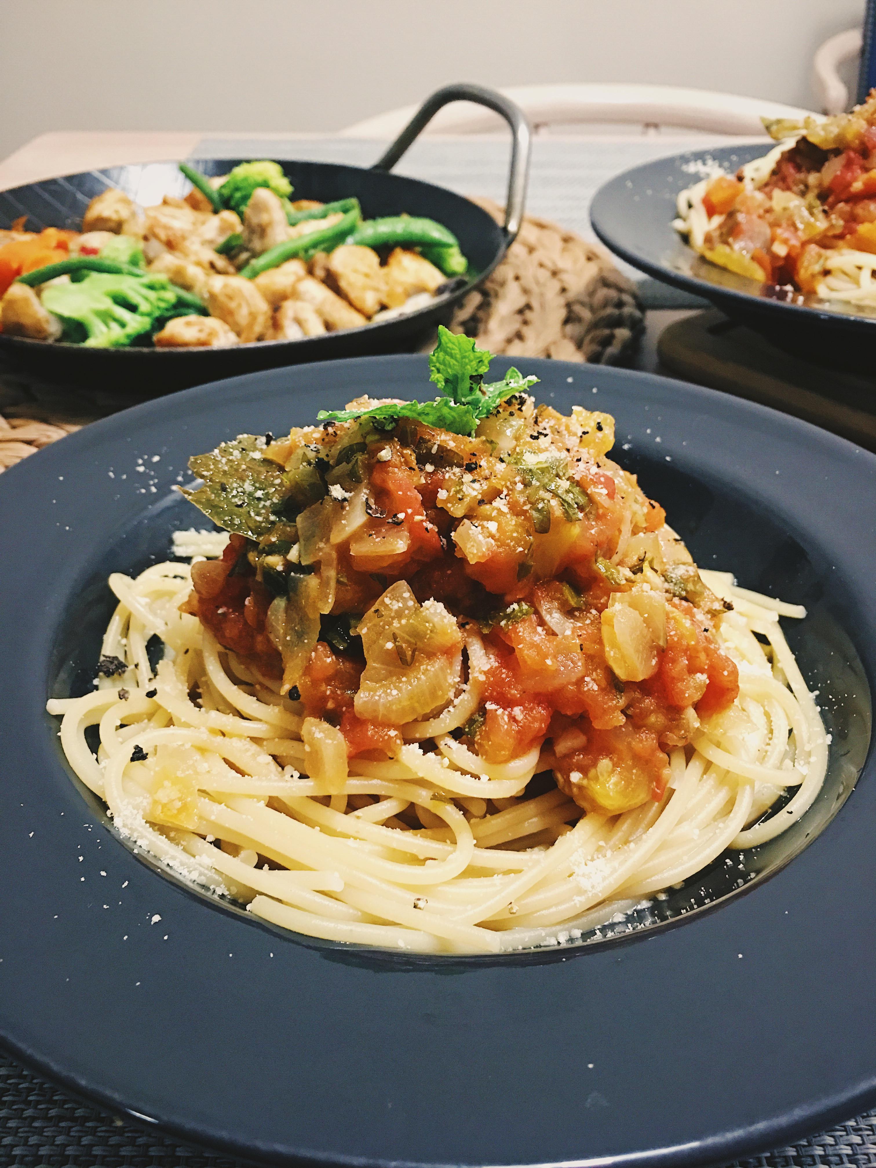 自製新鮮番茄蘿勒紅醬 清新鮮甜萬用基底醬