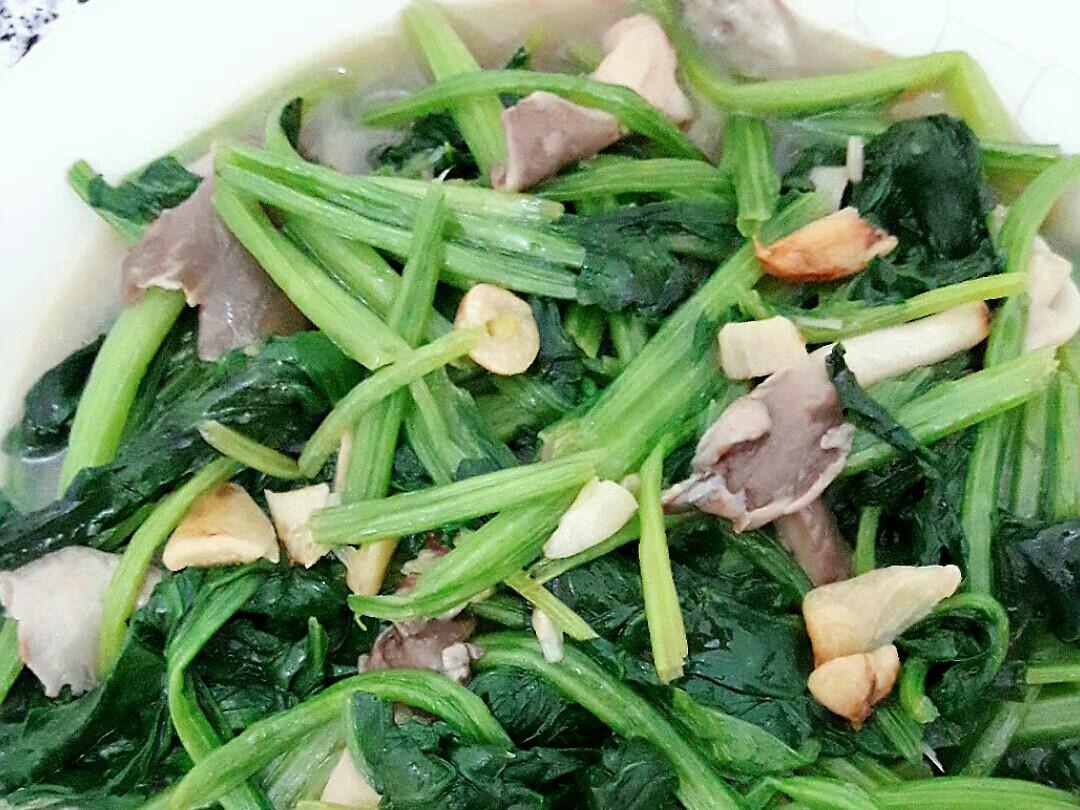 蒜炒菠菜秀珍菇