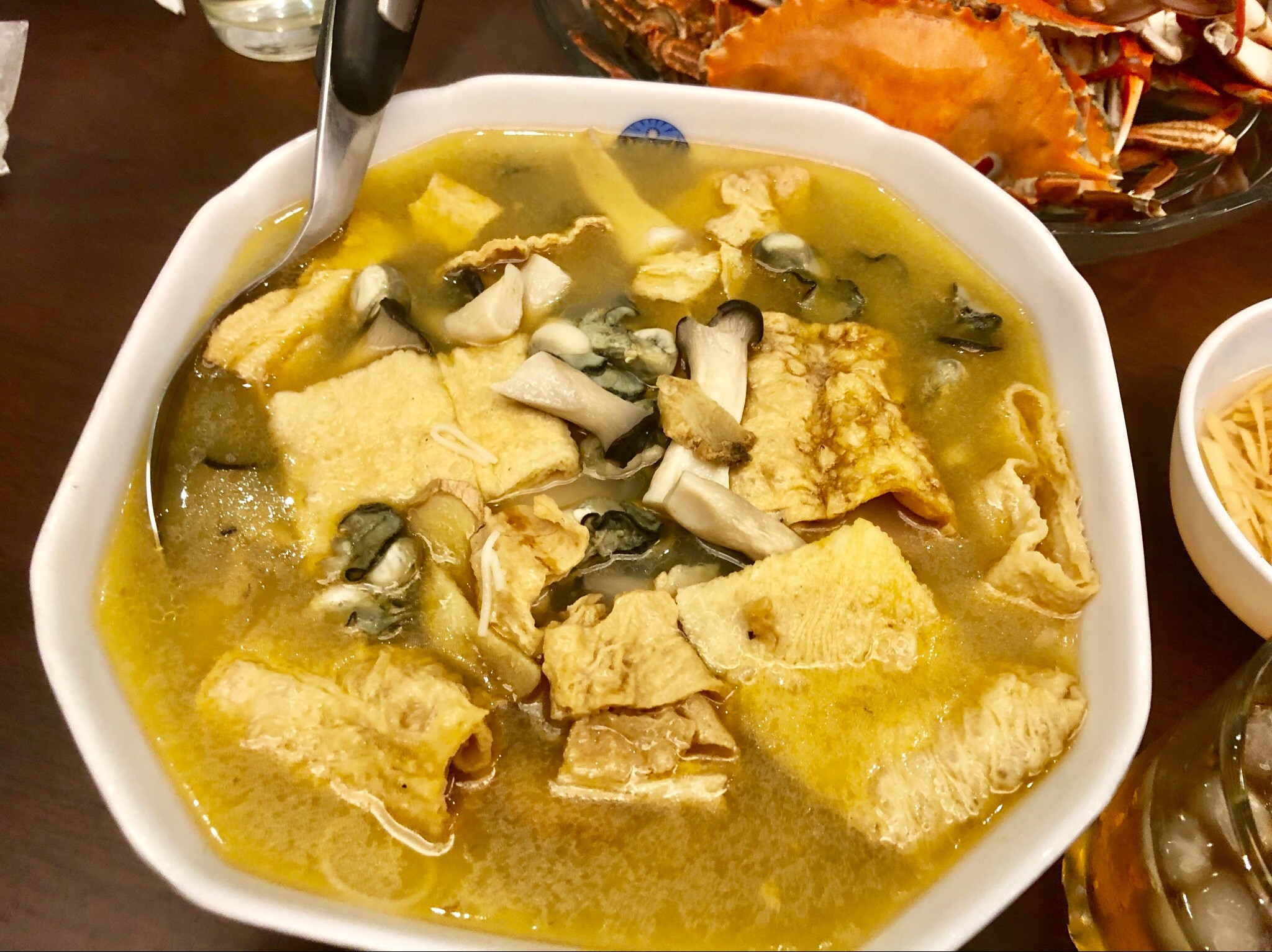 麻油蚵仔豆皮麵線湯
