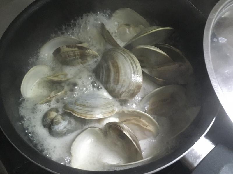 蒜香白酒牛奶蛤