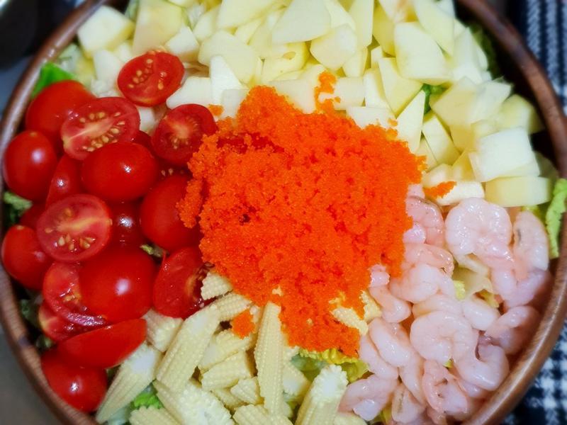 魚卵蝦蝦生菜沙拉