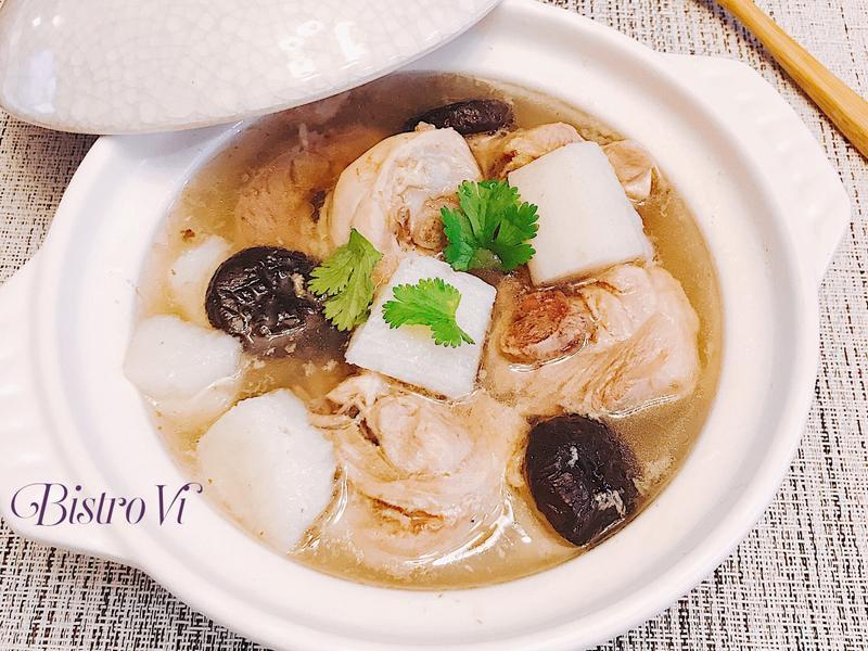 [電鍋料理] 暖心暖胃-香菇山藥雞湯