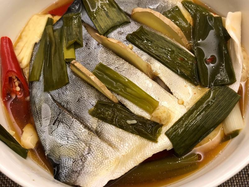 蒸豆腐白鯧魚