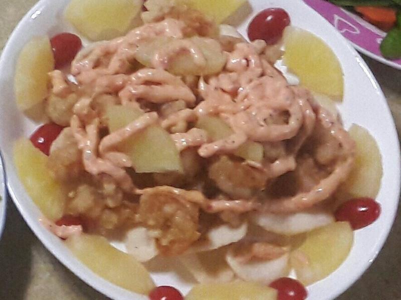 鳳梨蝦球舞沙拉