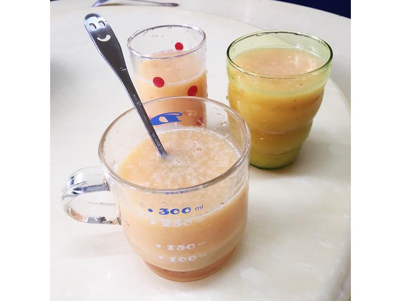 蘋果奇異果檸檬桃子綜合果汁