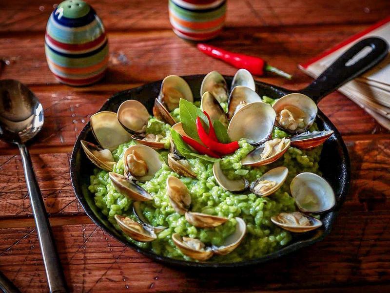 菠菜青醬蛤蜊燉飯