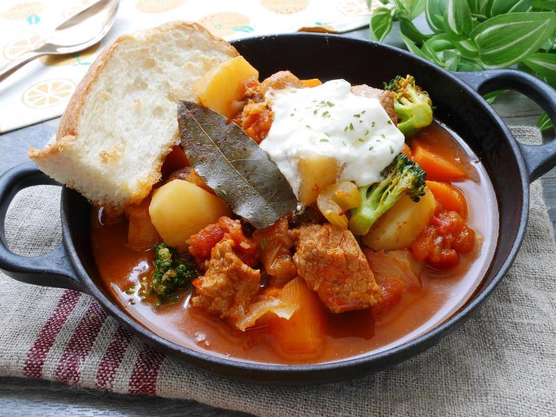 黑豬肉番茄燉菜(咖啡之友)【萬用鍋版】