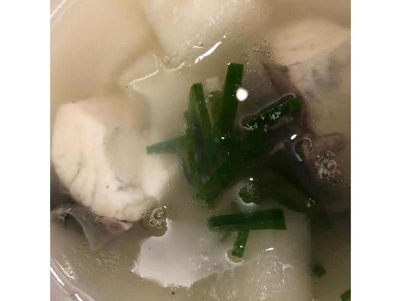 冬瓜薑片鱸魚湯