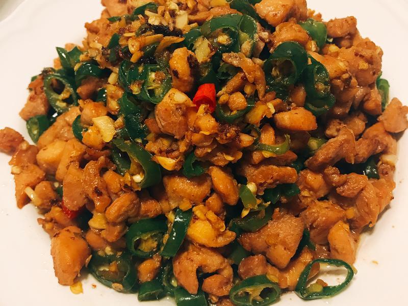 糯米椒炒雞丁