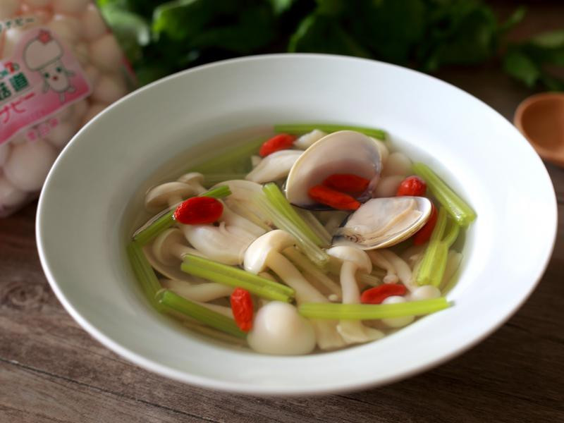 芹菜蛤蜊蕈菇湯