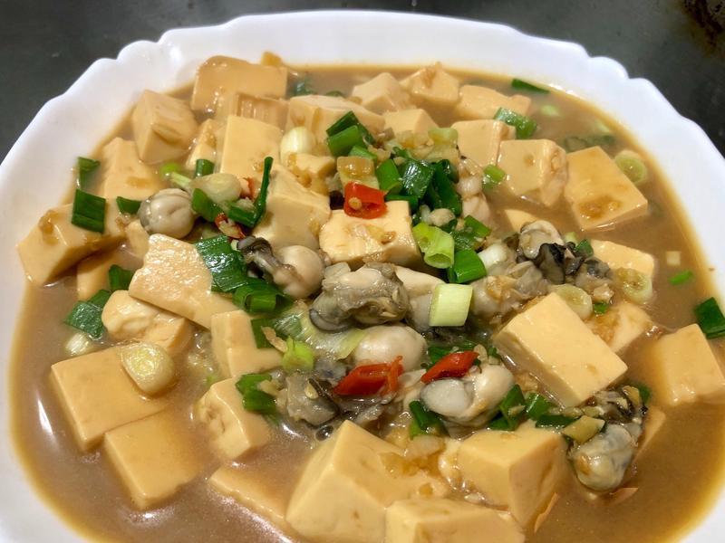 蔥燒鮮蚵豆腐