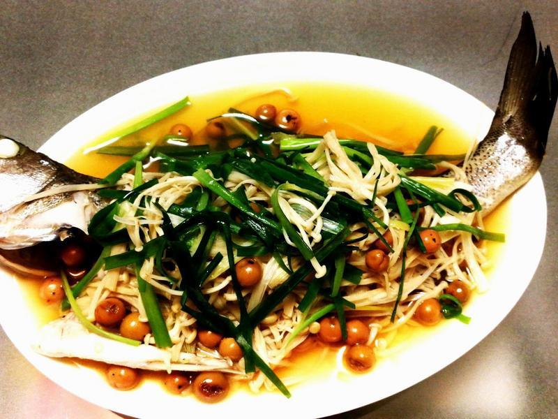 針菇樹子蒸鱸魚