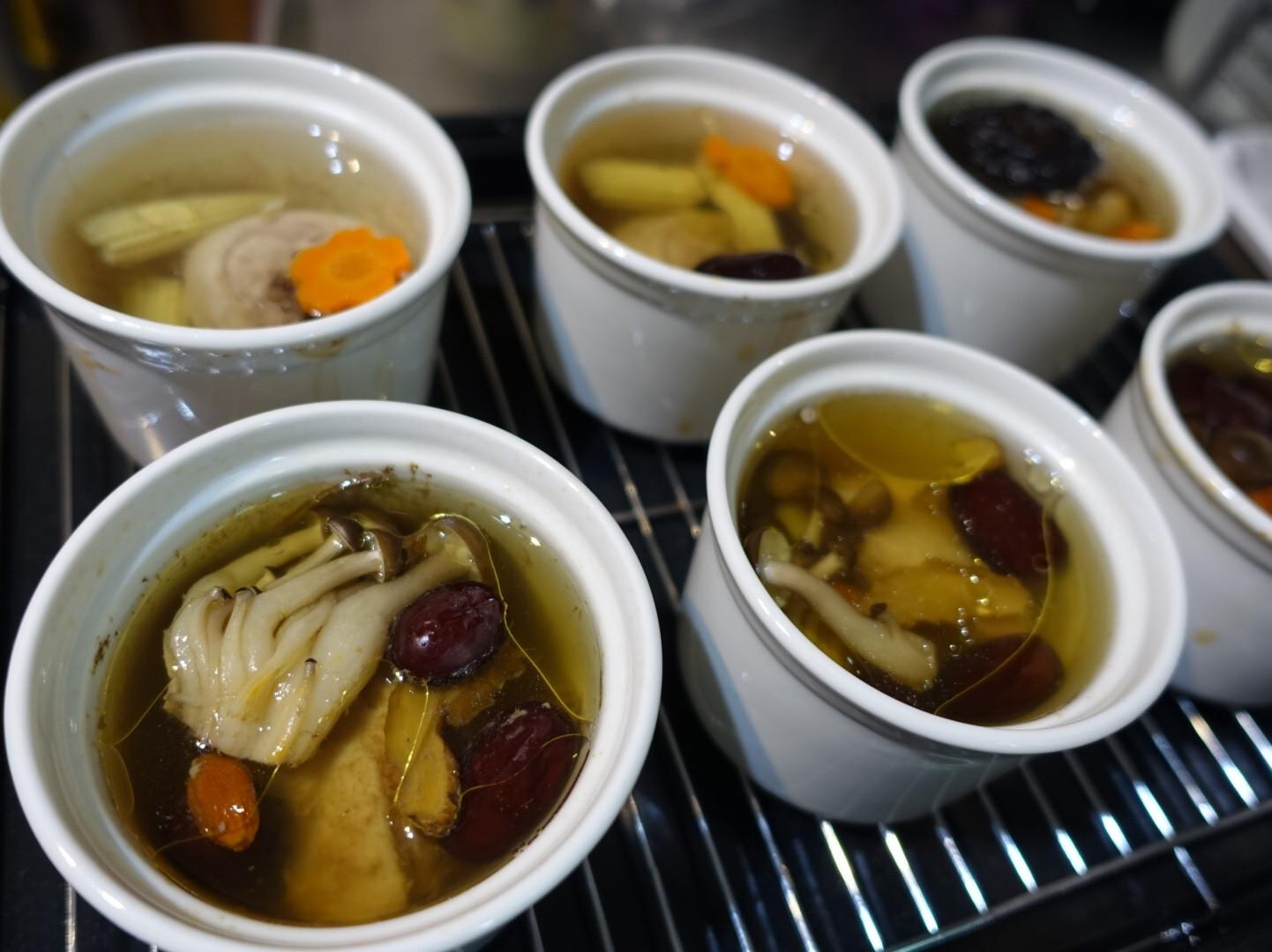 在家喝元盅雞湯 (蒸氣烘烤爐 大黑食譜)