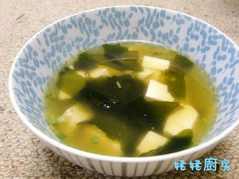 海帶芽豆腐味噌湯(附昆布高湯做法)