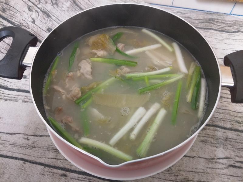 酸菜肚片湯