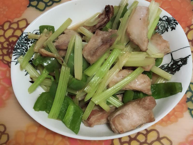 蔬食炒松板