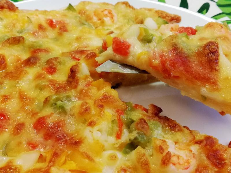 《千島醬》蛋餅皮海鮮Pizza~不揉麵