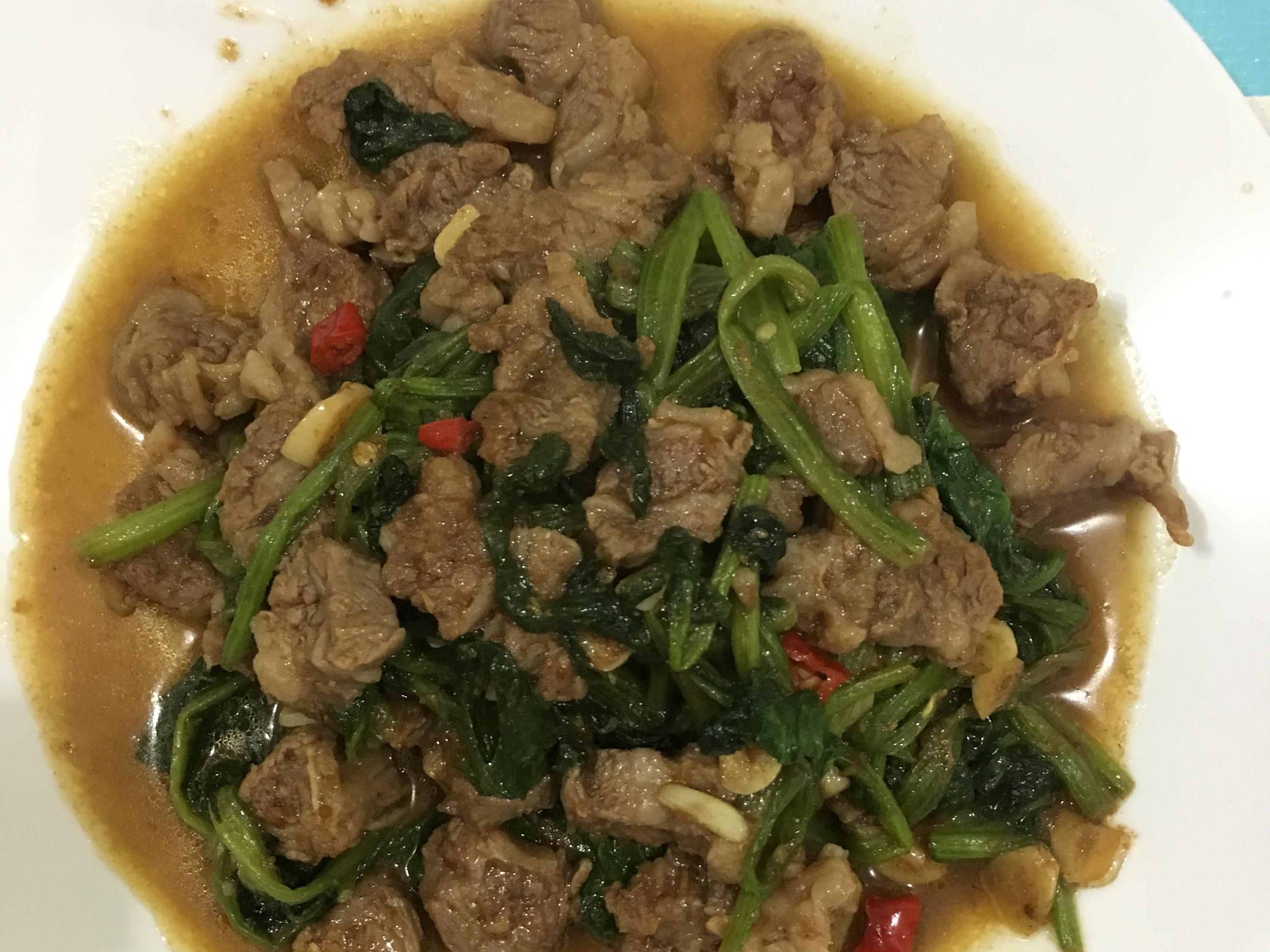 沙茶菠菜炒牛肉