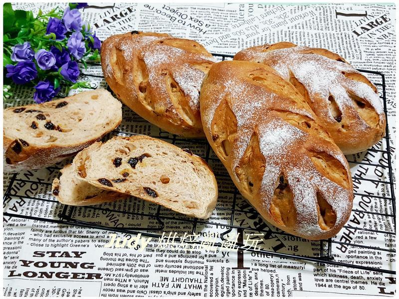 全麥葡萄乾核乾麵包