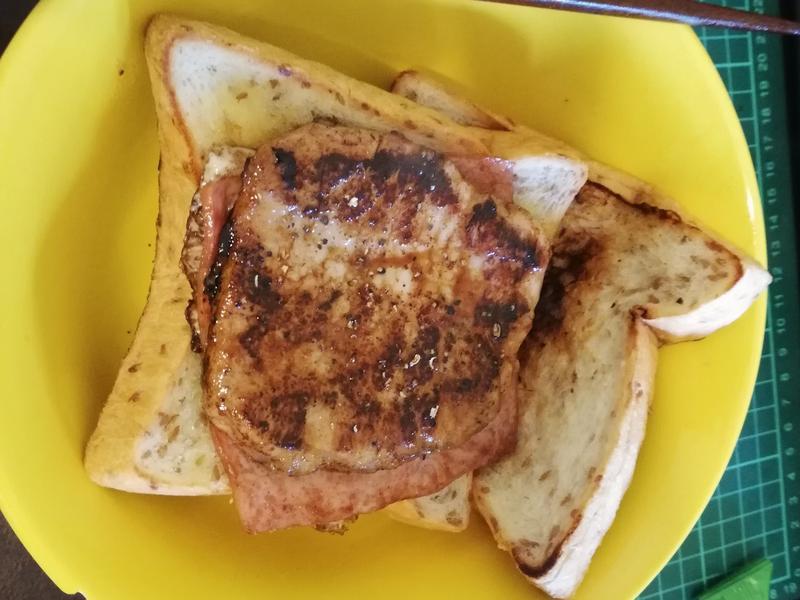 燒肉蛋吐司