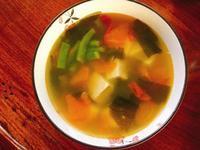 番茄海帶芽豆腐湯