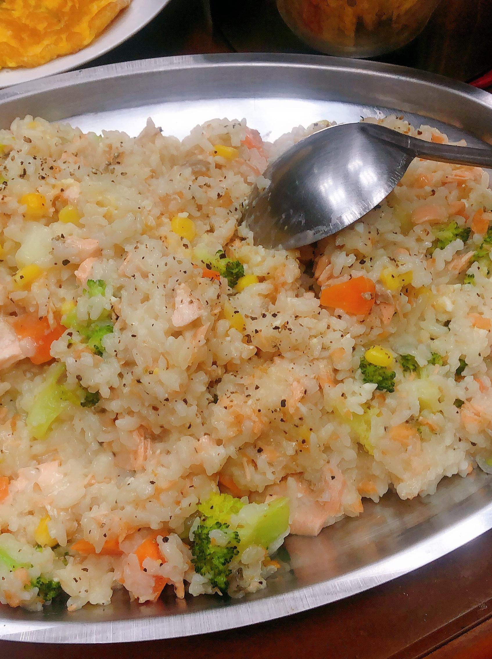 鮭魚奶香花椰菜燉飯