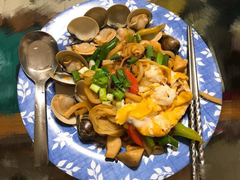 蛤蜊炒烏龍麵