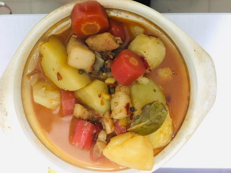 <川味>土豆紅蘿蔔燒肉