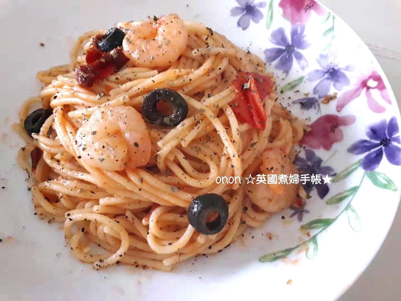 蕃茄鮮蝦義大利麵 地中海風味。家常麵條