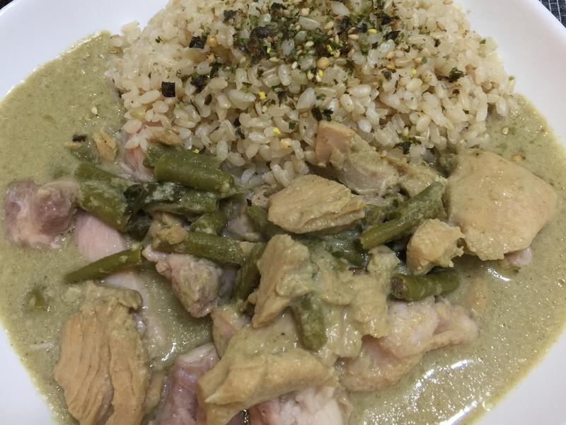 綠咖喱雞飯