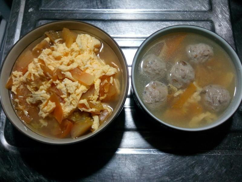 番茄蛋花香菇貢丸湯麵